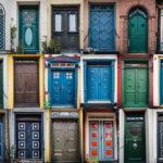 История возникновения дверей